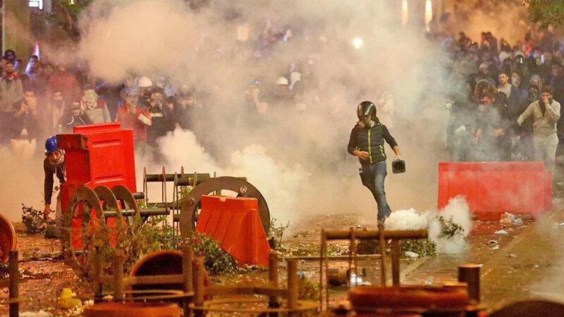 لبنان در بحران ، 130 زخمی در دومین روز ناآرامی ها ، احتمال بازگشت حریری به قدرت
